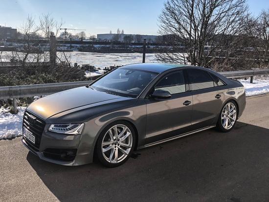 Audi_A8_3M1.JPG